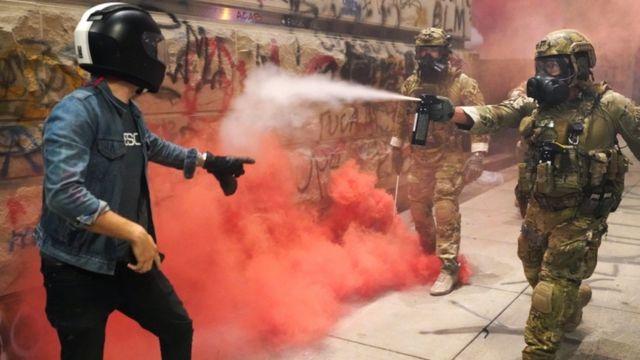 حضور نیروهای فدرال در پورتلند با انتقادها و تنش فراوان روبرو شده است
