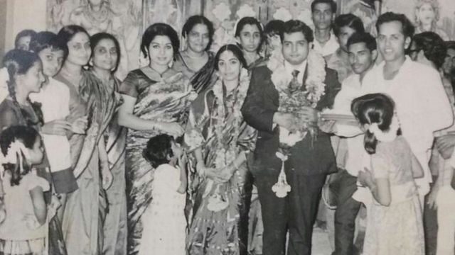 इस तस्वीर में जयललिता अपने भाई की शादी के वक़्त नज़र आ रही हैं.