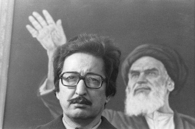 حلقه روحانیان منتقد بنیصدر در اوایل انقلاب اعتقاد داشتند آقای خمینی بیش از اندازه به بنیصدر میدان داده است