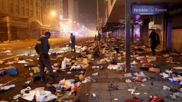 """Maponya Mall looting"": [Jabulani mall, Phoenix Durban, Maponya mall, oda shops looting] for 'South Africa riot'"