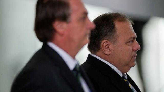Bolsonaro com Pazuello, em foto de 16 de janeiro