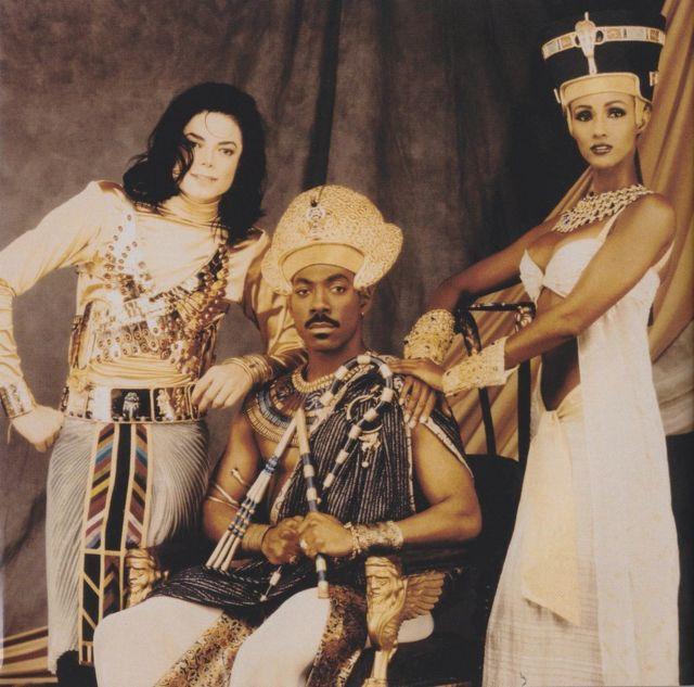 Iimaan waxay ka soo muuqatay muuqaalka heesta Remember the time ee uu qaaday Michael Jackson