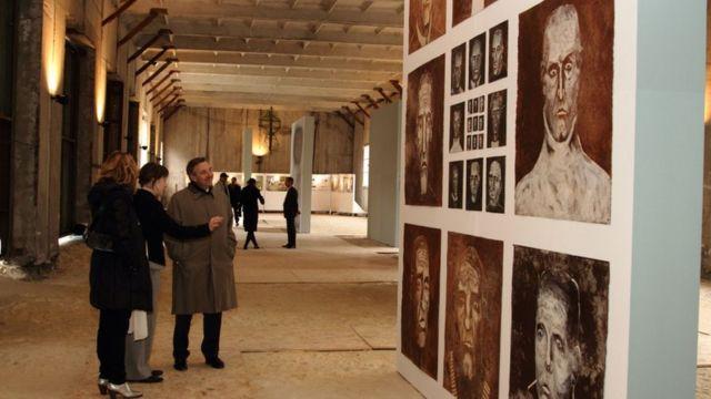 """В """"Ізоляції"""" працювали світові зірки сучасного мистецтва: Даніель Бюрен, Борис Михайлов, Рафаель Лозано-Хеммер"""
