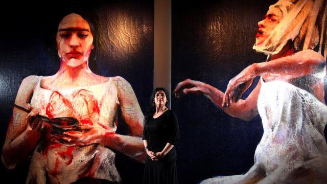 Lita Cabellut, en una de sus muestras en la Opera Gallery, en Londres en 2011.