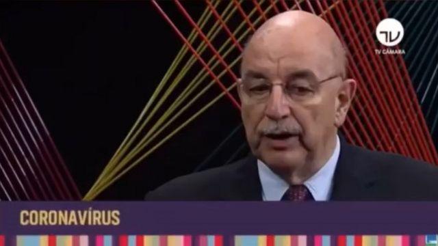 O deputado Osmar Terra em entrevista à TV Câmara