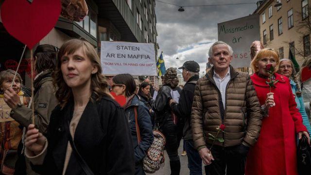 Протесты против коронавирусных ограничений в Стокгольме