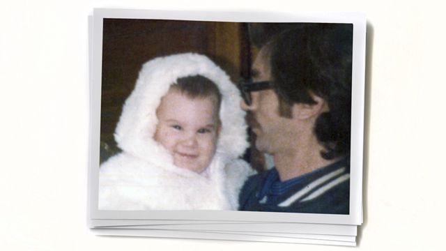 Paula quando bebê, com o pai