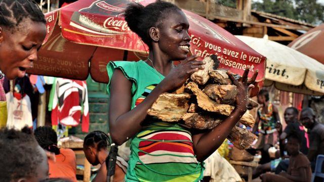 Au marché Gbaragba à Bangui.