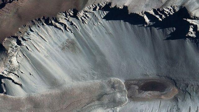 El lago Don Juan (aquí en una foto tomada por satélite) es 44% sal.