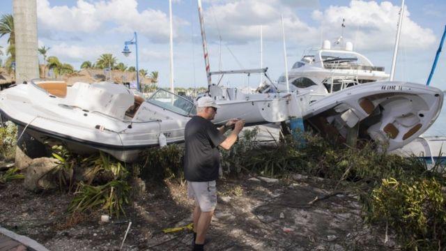 Barcos arrojados a tierra en Miami