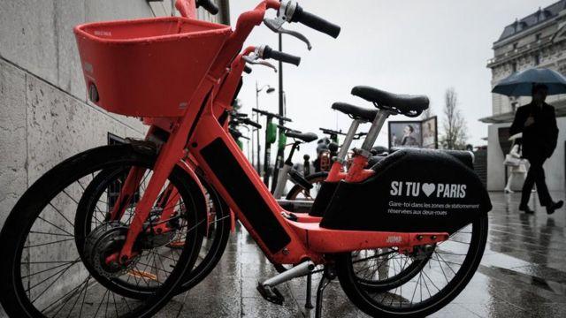 Bicicletas públicas en París.