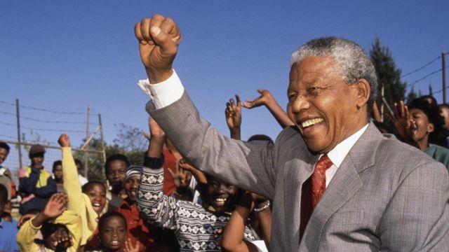 L'ancien président sud-africain Nelson Mandela