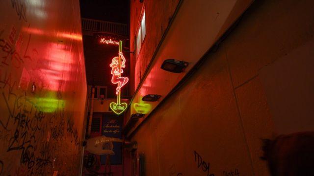 Người Việt trong mạng lưới mại dâm ở Đức tăng lên, theo tổ chức ECPAT, ông George cho biết.