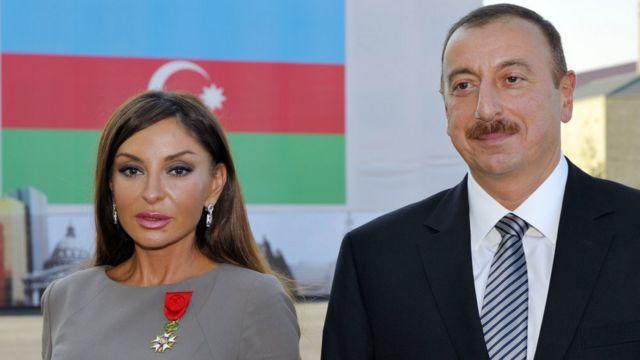 Azerbaycan Cumhurbaşkanı İlham Aliyev (sağda) ve eşi Mihriban Aliyeva.