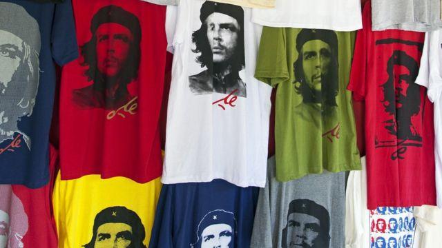 T-shirts à l'effigie de Che Guevara en vente à Cuba