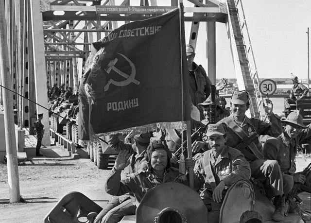 عقبنشینی شورویها از افغانستان