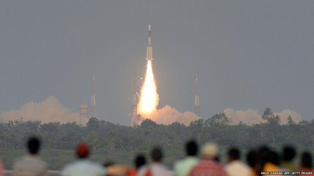 इसरो ने जीसैट-6ए नामक सैलेटाइट का सफल प्रक्षेपण किया