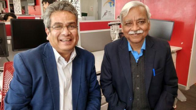 अश्विनी भटनागर बीबीसी स्टूडियो में रेहान फ़ज़ल (बाएं) के साथ