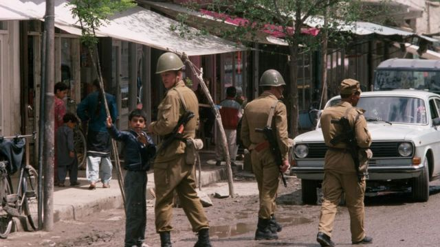 Soldados soviéticos en Kabul.