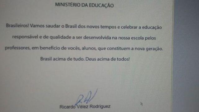 Carta do ministro da Educação a escolas