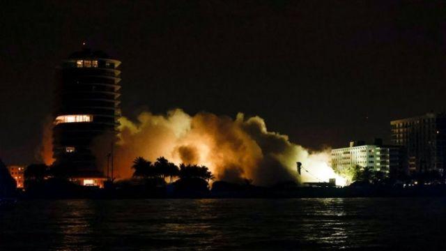 Demolición de los restos de Champlain Towers South