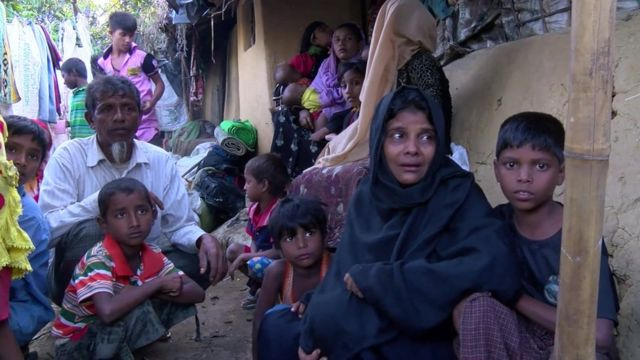 Rohingya refugees in Bangladesh are pictures are fleeing Myanmar