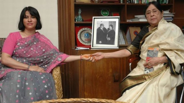 ताजुद्दीन अहमद की बेटी शर्मीन अहमद और उनकी पत्नी