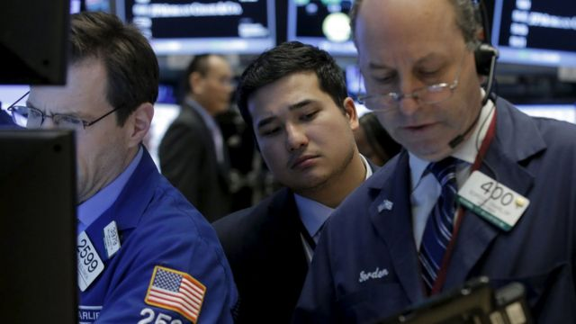 US stock markets tumble on oil woes