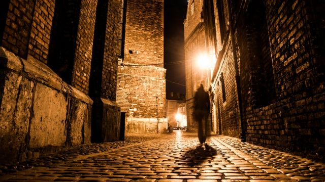 rua escura de Londres