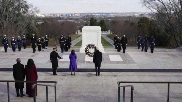 Biden, Harris, en el cementerio de Arlington.