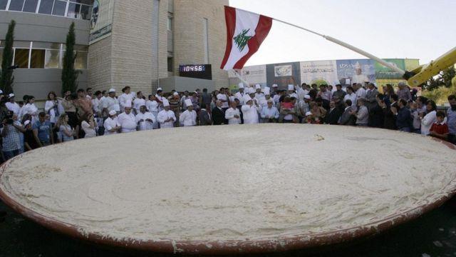 O maior prato de humus do mundo