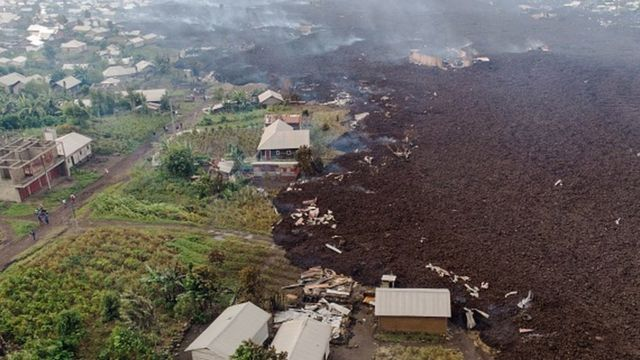 Vista aerea de la destrucción causada por la lava.