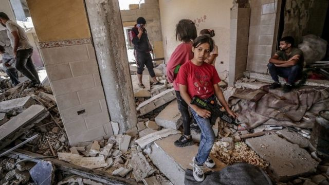 Most Palestinians who returned after the ceasefire have found their homes in rubble