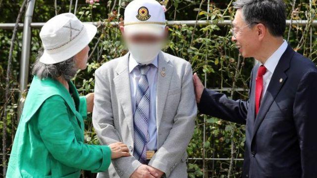 서울중앙지법은 지난해 7월 국군포로 한모씨와 노모씨가 북한과 김정은 위원장을 상대로 낸 손해배상 소송에서 '피고들은 한씨와 노씨에게 각각 2100만원씩 지급하라'며 원고 승소로 판결했다
