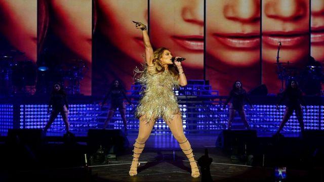 В Лас-Вегасе вам необязательно ходить на концерт, чтобы увидеть Дженнифер Лопес - вы легко можете столкнуться с ней в фитнес-центре или овощной лавке