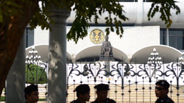 รัฐสภาไทยกำลังเดินหน้าตรวจสอบข้อกล่าวหาเรื่องการเรียกรับสินบนจากบริษัทสัญชาติสหรัฐฯ ในโครงการติดตั้งกล้องวงจรปิด เมื่อปี 2549