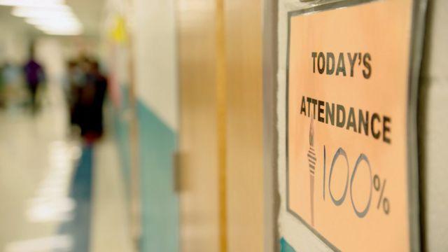 Asistencia del 100% en una escuela