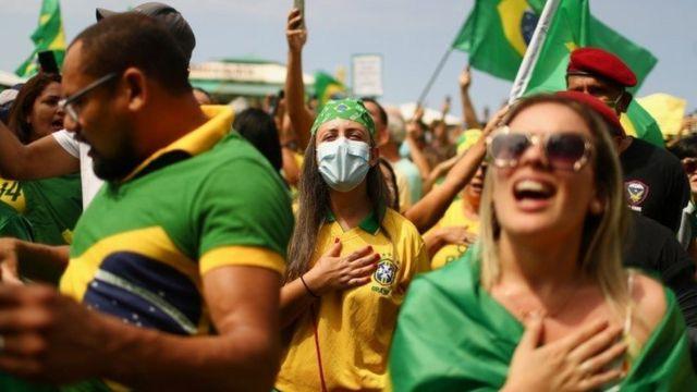 Para especialista, democracia e Bolsonaro saíram perdendo dos protestos de 7 de Setembro