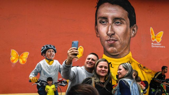 Un mural sobre Egan Bernal y Julián Gómez