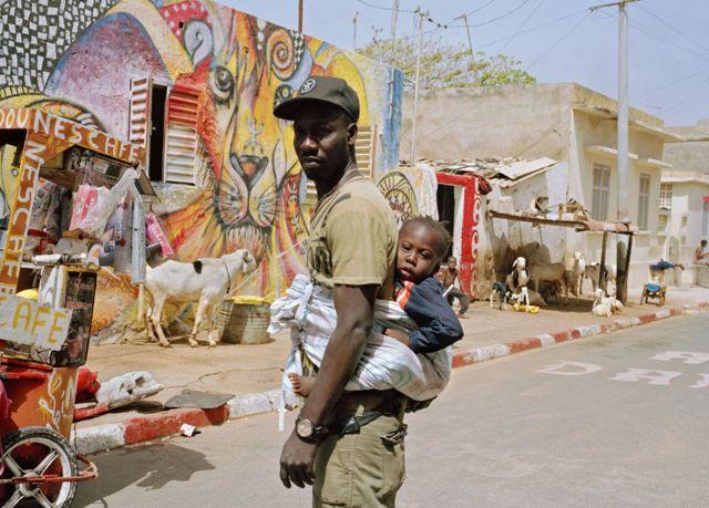Badou et Mouhammed dans le quartier de la Medina à Dakar, Sénégal.