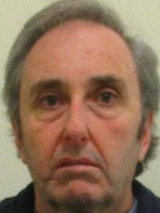 Retrato policial de Ian Stewart.