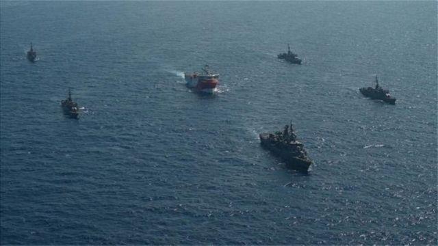 Το πλοίο αναζήτησης Orus Reyes έπλευσε με πέντε πολεμικά πλοία στην Ανατολική Μεσόγειο