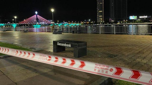 Các công trình công cộng như Bờ sông Hàn bị hạn chế đi lại