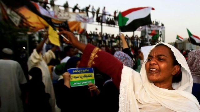شاركت المرأة السودانية بشكل ملحوظ في الاحتجاجات