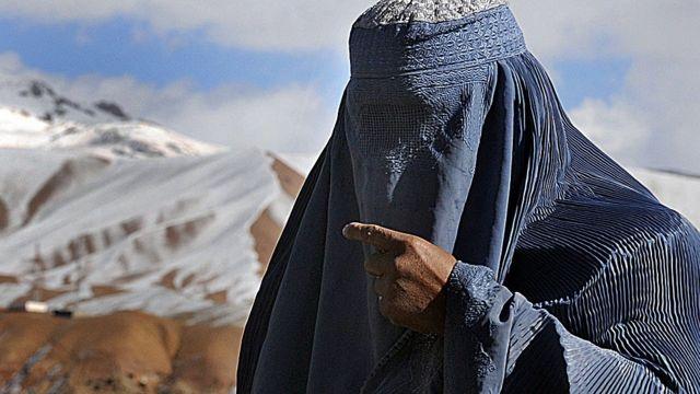 Cómo era Afganistán bajo el régimen talibán en los 90 (y por qué dicen que  esta vez será diferente) - BBC News Mundo