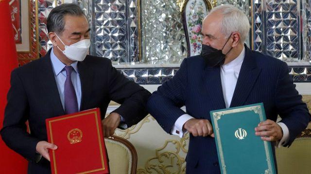 Çin Dışişleri Bakanı Vang Yi ile İranlı mevkidaşı Muhammed Cevad Zarif (27 Mart 2021)