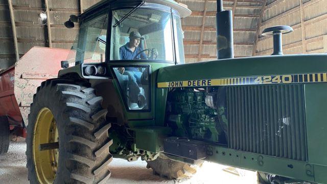 tractor en la granja de Rosenow.