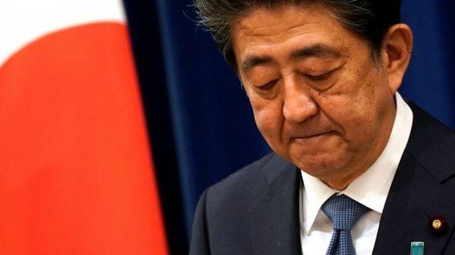 安倍首相が辞意発表、持病悪化を理由に - BBCニュース