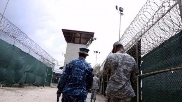 Ubushikiranganji bwo kwivuna abansi buvuga ko abanyororo basigaye i Guantanamo Bay bashika 61