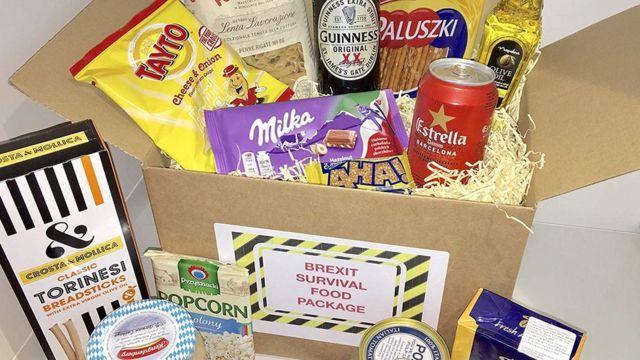 최근 영국의 아마존 사이트에는 '브렉시트 생존 키트'라는 생활필수품 패키지가 등장했다. 가격은 34.90파운드(약 5만원)로 초콜릿과 과자 등 비상식량을 비롯해 맥주와 올리브유 등이 담겼다